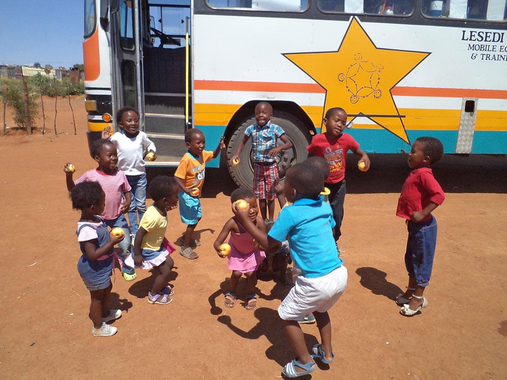 Lesedi Educare - Come-&-Play Buses